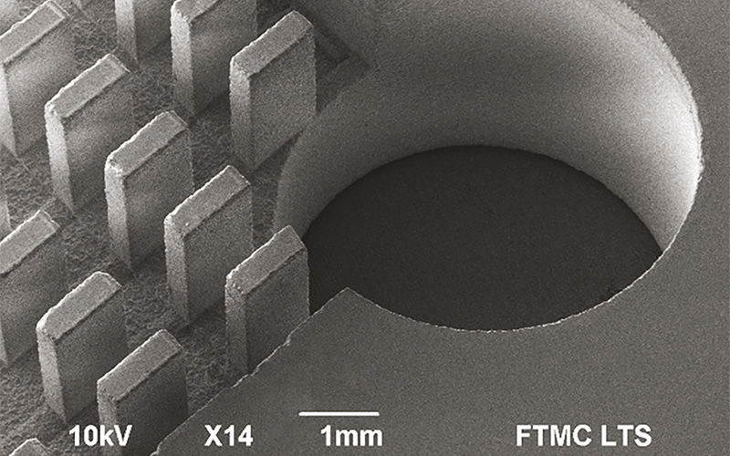 Glass milling. Surface chipping <100 µm, sidewall roughness <2 µm. Courtesy of FTMC.
